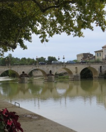 Roman bridge dating to 1st century