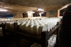 Roquefort being made